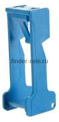 095.01 | 09501 | Пластиковый фиксатор реле 40, 44 для розеток 95.03, 95.05; синий